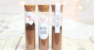 Heiße Schokolade im Reagenzglas zum verschenken